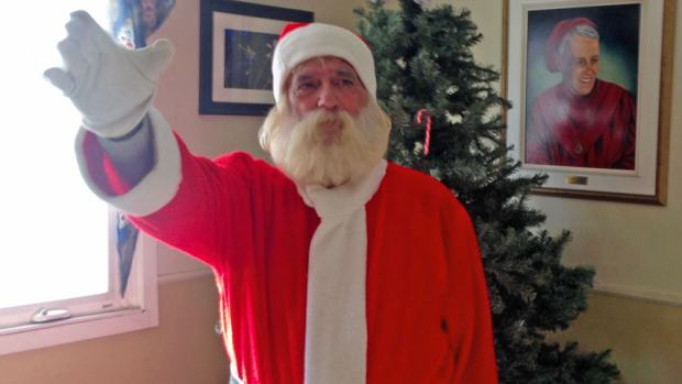 Homeless Santa Sees Christmas Come Early After Pay It Forward Facebook Post santa676