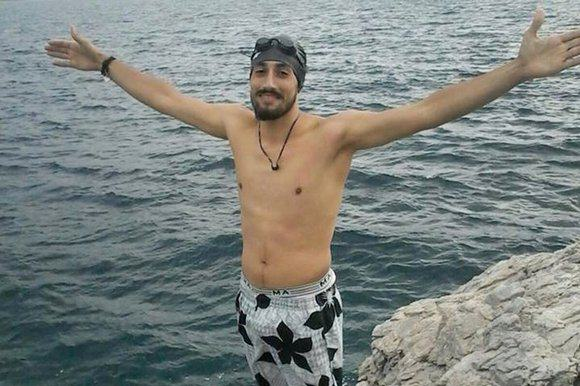 Syrian Refugee Swims For Seven Hours To Start New Life In Europe 01 NW20EEL 1200633k