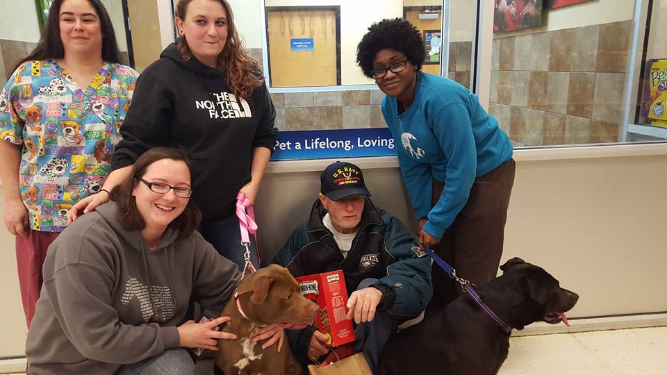 Veteran Has Dogs Returned Thanks To An Act Of Christmas Generosity 2 6