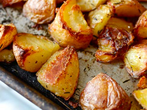 Christmas Food Hacks That Will Impress Your Mates And Family 20111102 ultra crispy roast potatoes 3