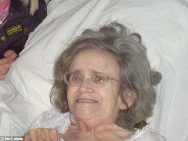2F60360D00000578-0-Bedridden_Pamela_Hudson_75_pictured_was_allegedly_bitten_at_Glen-a-44_1450139263776