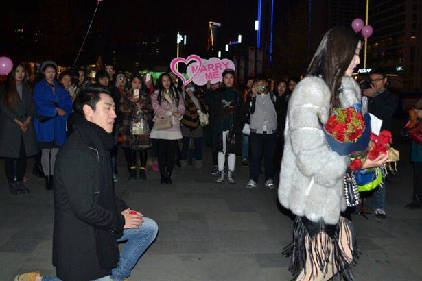 Woman Turns Down Boyfriends Marriage Proposal For Most Infuriating Reason 4 4