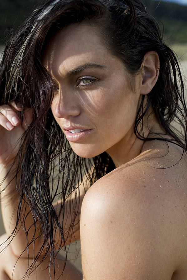 Plus Size Model Does Nude Beach Shoot To Promote Body Positivity 5 1