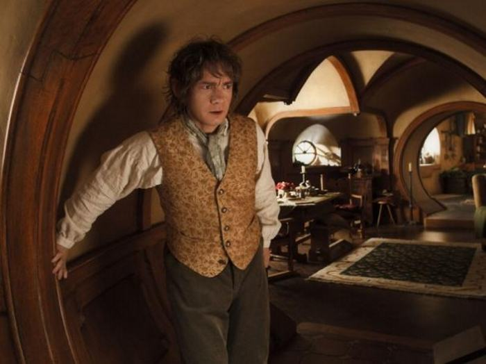 Company Builds Hobbit Houses And You Can Actually Live There Bilbos Bedroom11