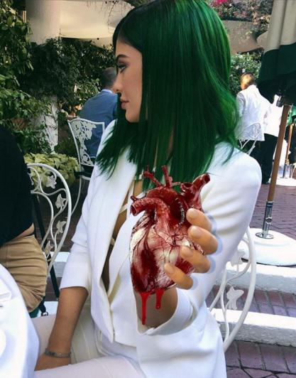 Kylie Jenner Does Stuff Is Easily The Worlds Funniest Instagram Account Jenner 4