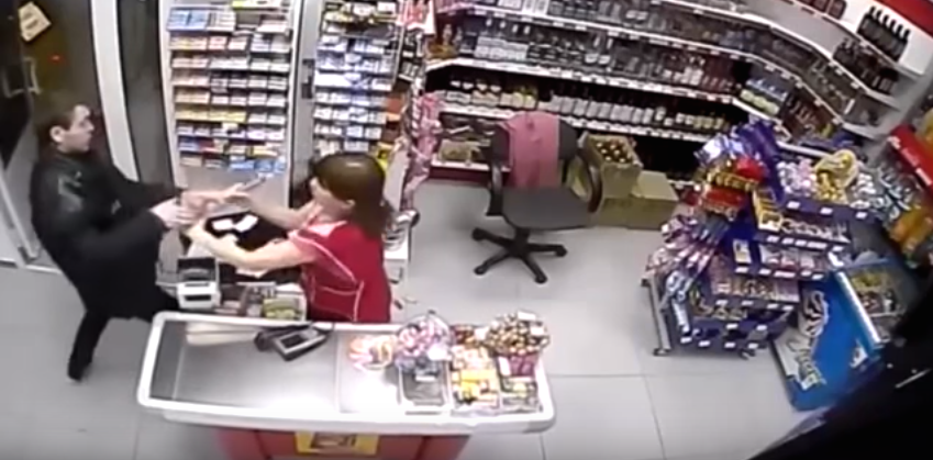 Robber Tries Stealing Cash From Shop, Female Assistant Has None Of It Screen Shot 2015 12 10 at 13.02.59 1