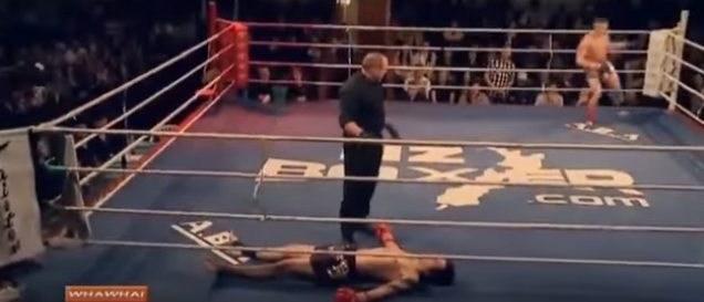 Kickboxer Has Bizarre, Yet Hilarious Response To Being Knocked Clean Out Screen Shot 2015 12 19 at 14.20.01 1