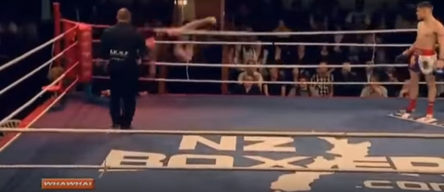 Kickboxer Has Bizarre, Yet Hilarious Response To Being Knocked Clean Out Screen Shot 2015 12 19 at 14.21.34