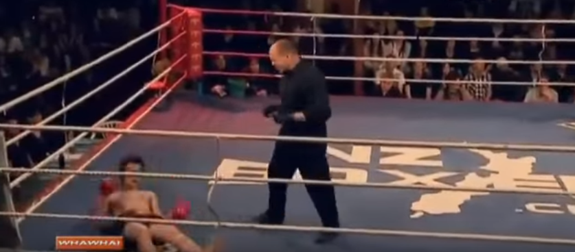 Kickboxer Has Bizarre, Yet Hilarious Response To Being Knocked Clean Out Screen Shot 2015 12 19 at 14.44.43
