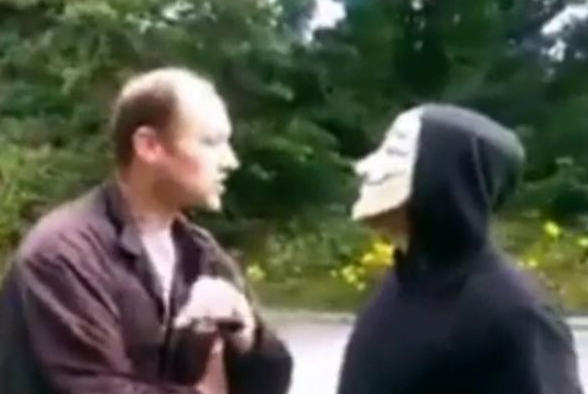Anonymous Vigilantes Confront Paedophile Thinking He Was Meeting Girl, 14 anon31