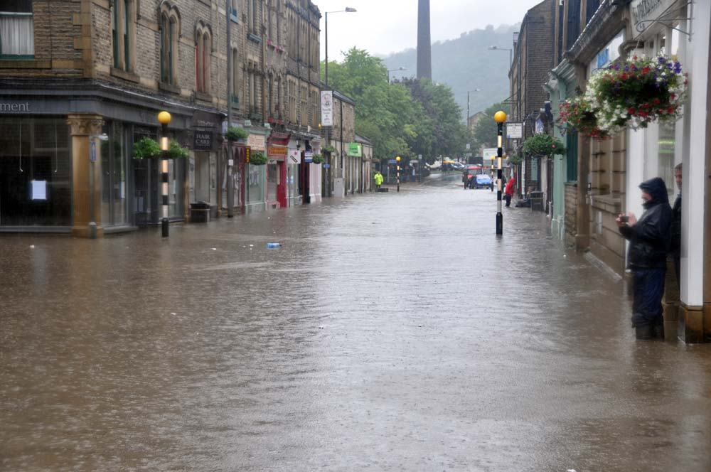 Bikers Are Patrolling In Flood Hit Yorkshire Towns To Scare Off Looters bikers3