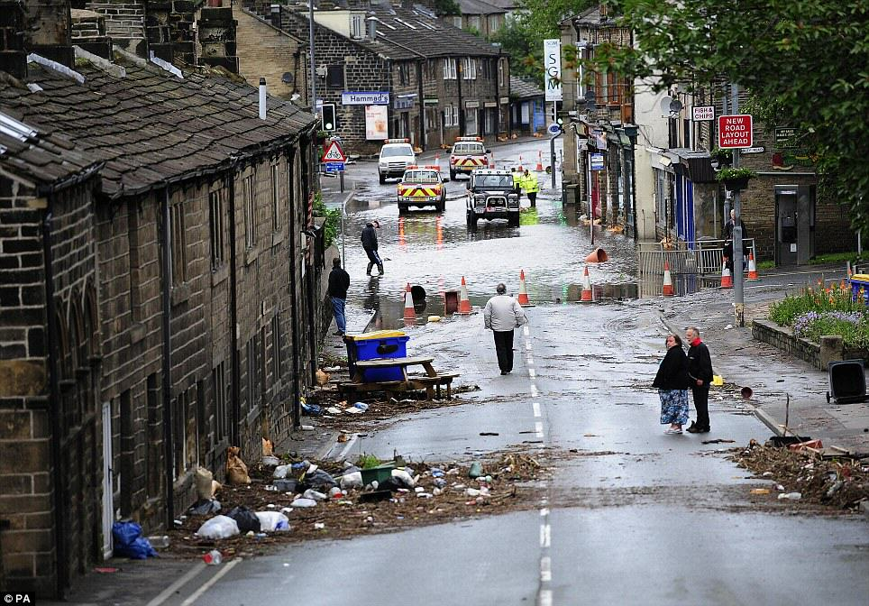 Bikers Are Patrolling In Flood Hit Yorkshire Towns To Scare Off Looters bikers5 1
