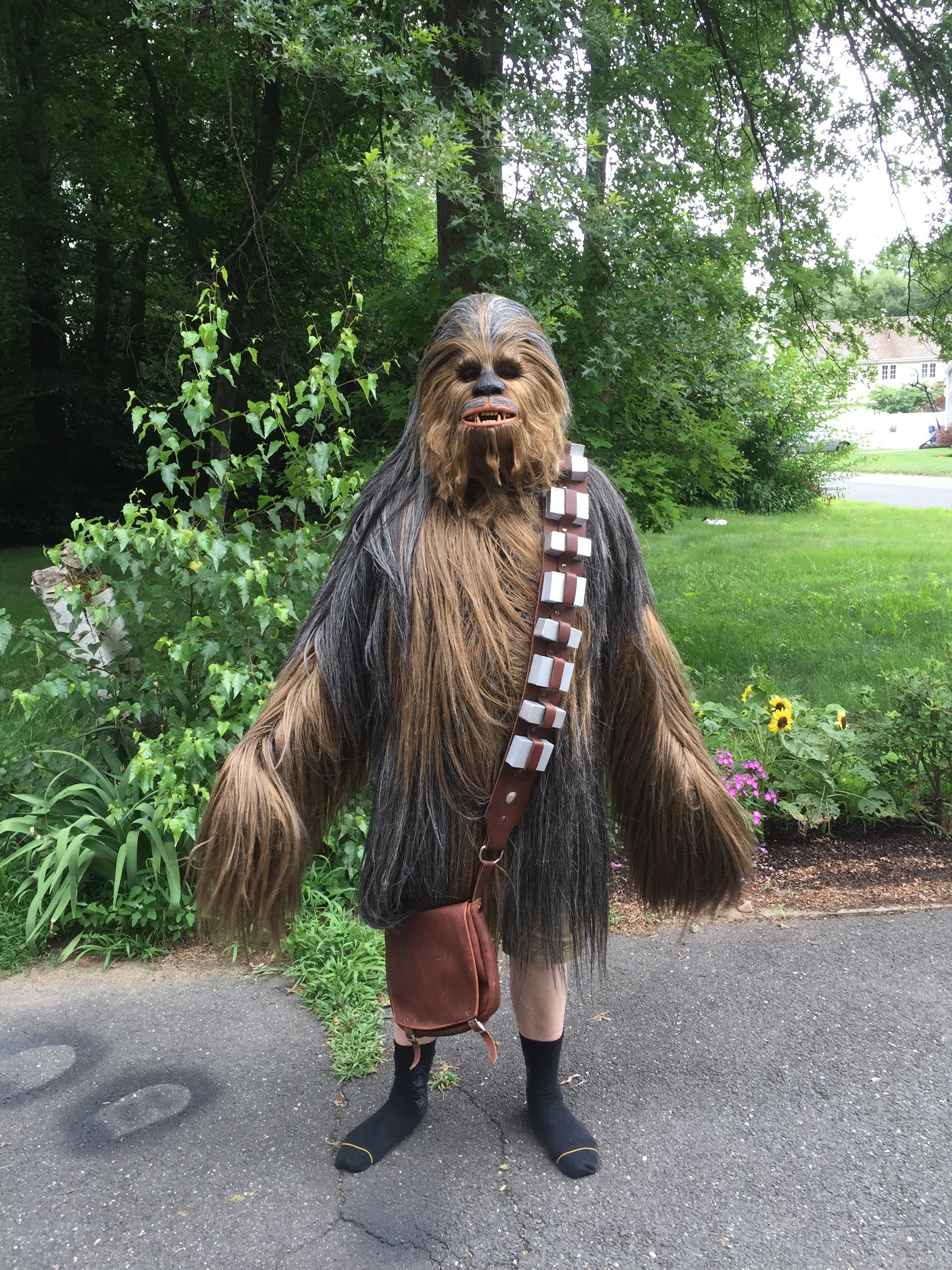 Watch This Guy Make The most Awesome Chewbacca Costume Youve Ever Seen chewie17