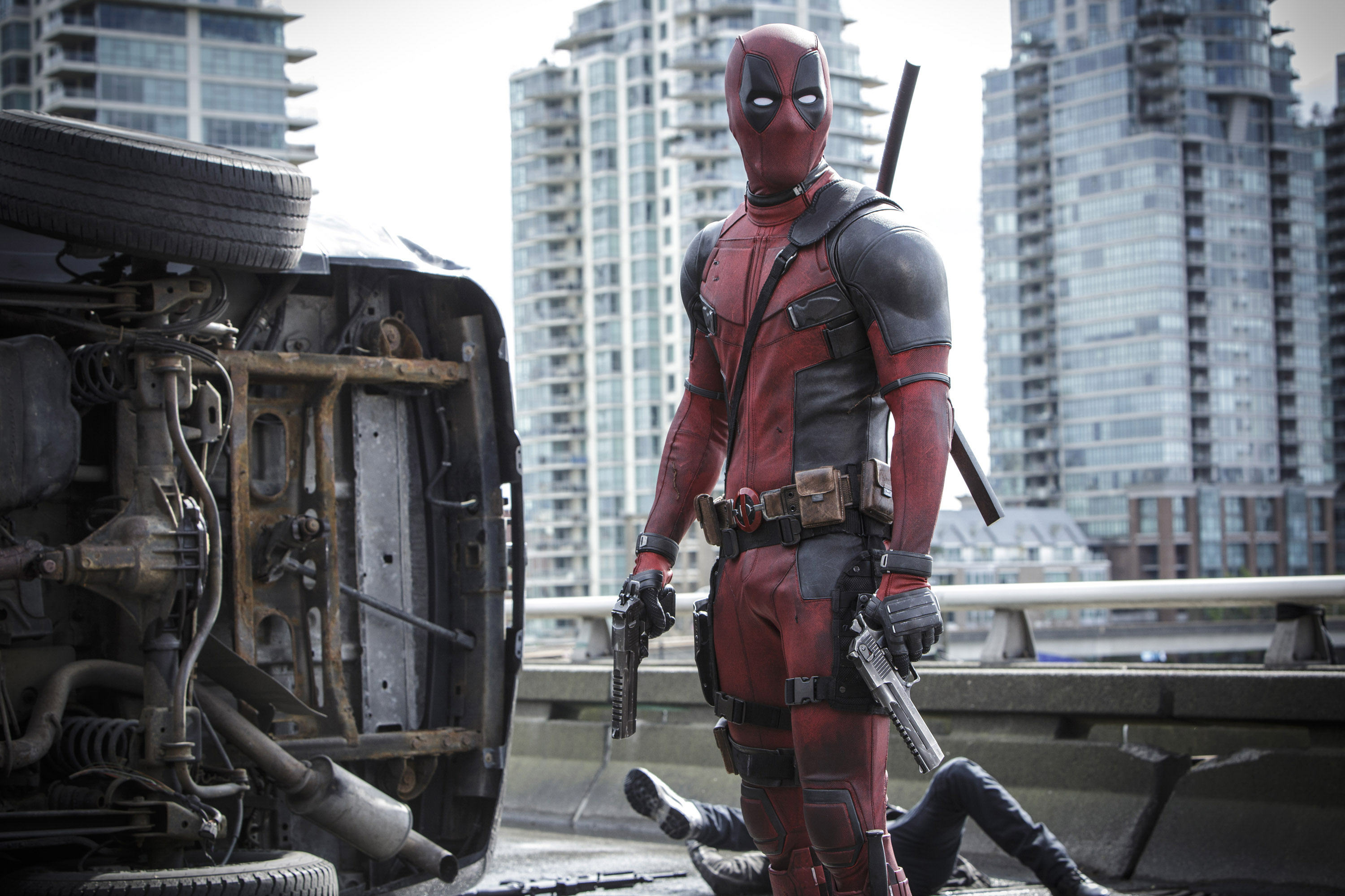 The New Deadpool Trailer Is Here, Its Epic deadpool