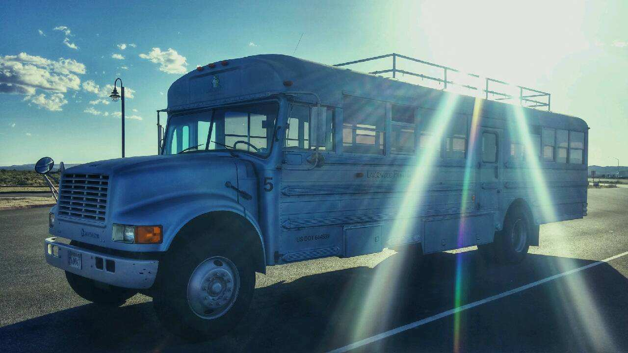 Dad And Son Convert School Bus Into Home And Go On Epic Road Trip eDy6mBw