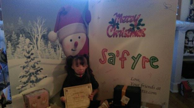Brave Little Girl Who Lost Family In Arson Attack Gets Her Christmas Wish enhanced 16566 1450024931 1