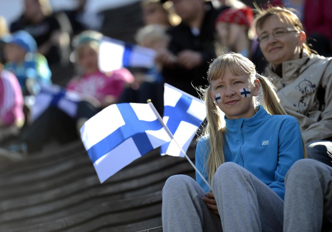 Finland Plans To Scrap Benefits And Give Everyone 800 Euros Per Month finaldn