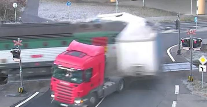 Train Slices Truck In Half In Horrific Railway Crossing Crash lorry crash 4 1
