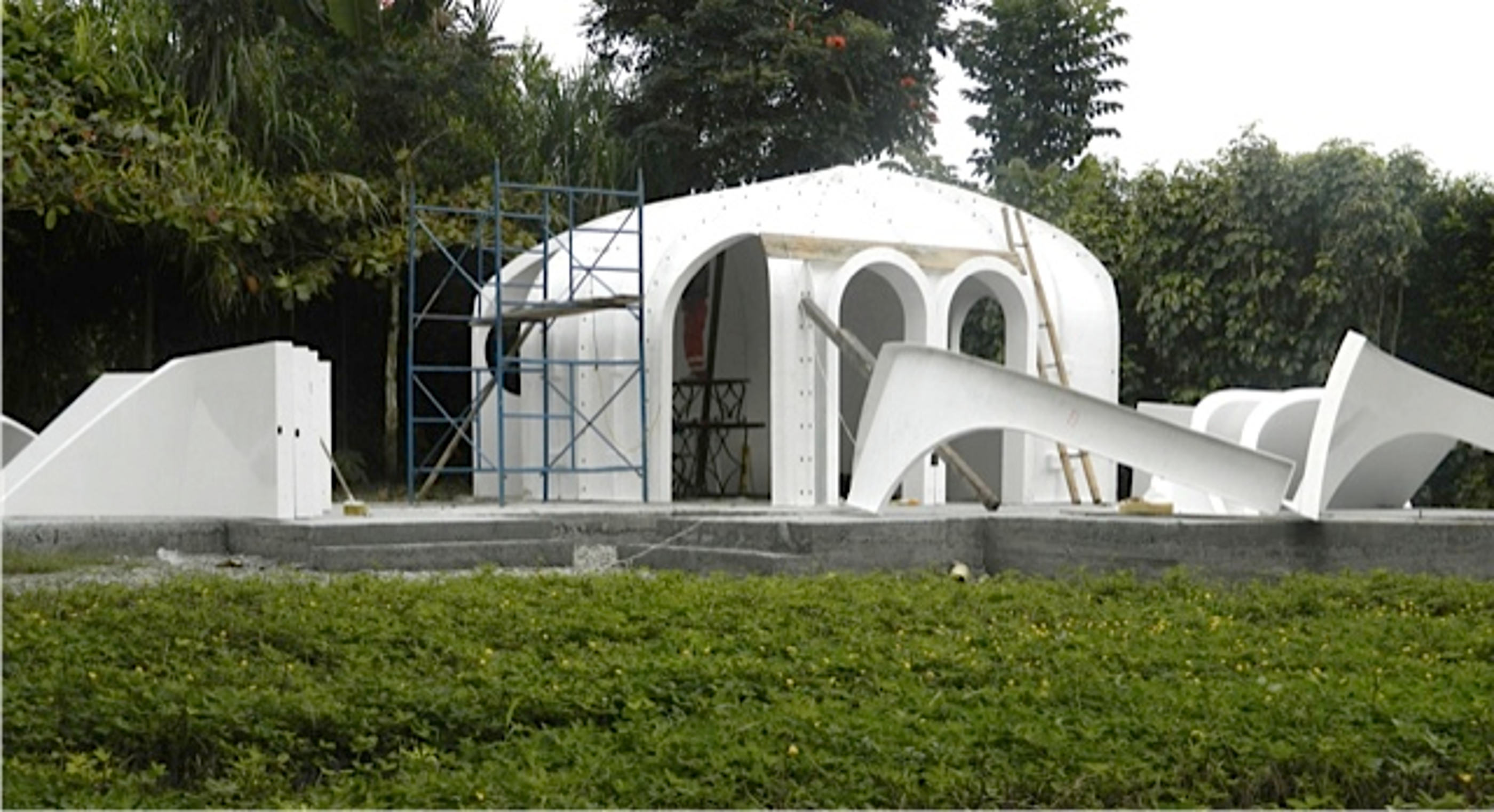 Company Builds Hobbit Houses And You Can Actually Live There magic homes image 2