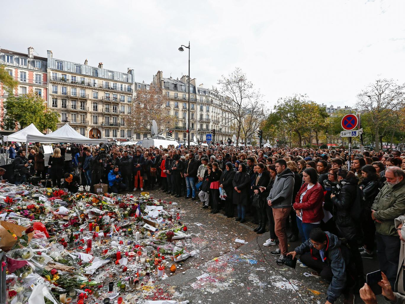 This Is How ISIS Makes And Spends Its Money paris attacks silence 5