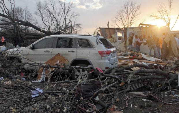 Tornadoes Cause Havoc In USA, Reportedly Kill At Least 14 People torn1