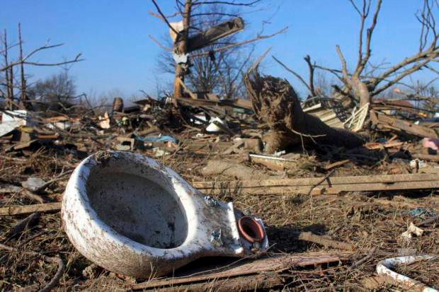 Tornadoes Cause Havoc In USA, Kill At Least 14 People torn2
