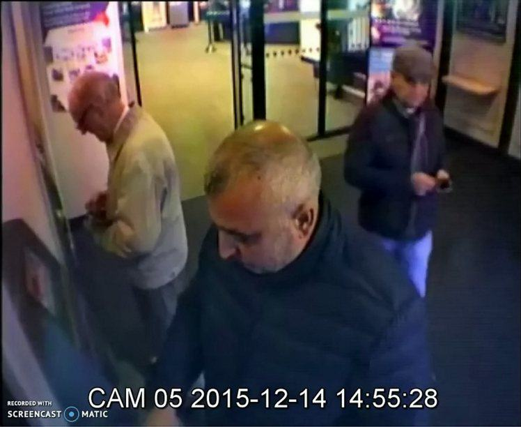 Shocking Video Shows Pensioner Being Robbed At Cash Point trick man