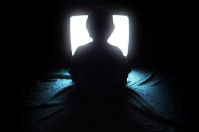 Netflix And Chill Could Be Making You Really Dumb, Apparently tv5 640x426