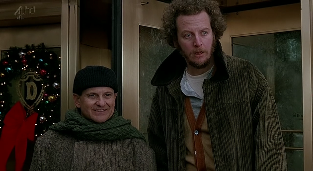 Home Alone Fans See Dreams Made As Wet Bandits Make Comeback wetb