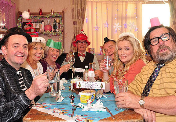 The Eight Types Of Family Member Who Always Show Up At Christmas xmas family WEB