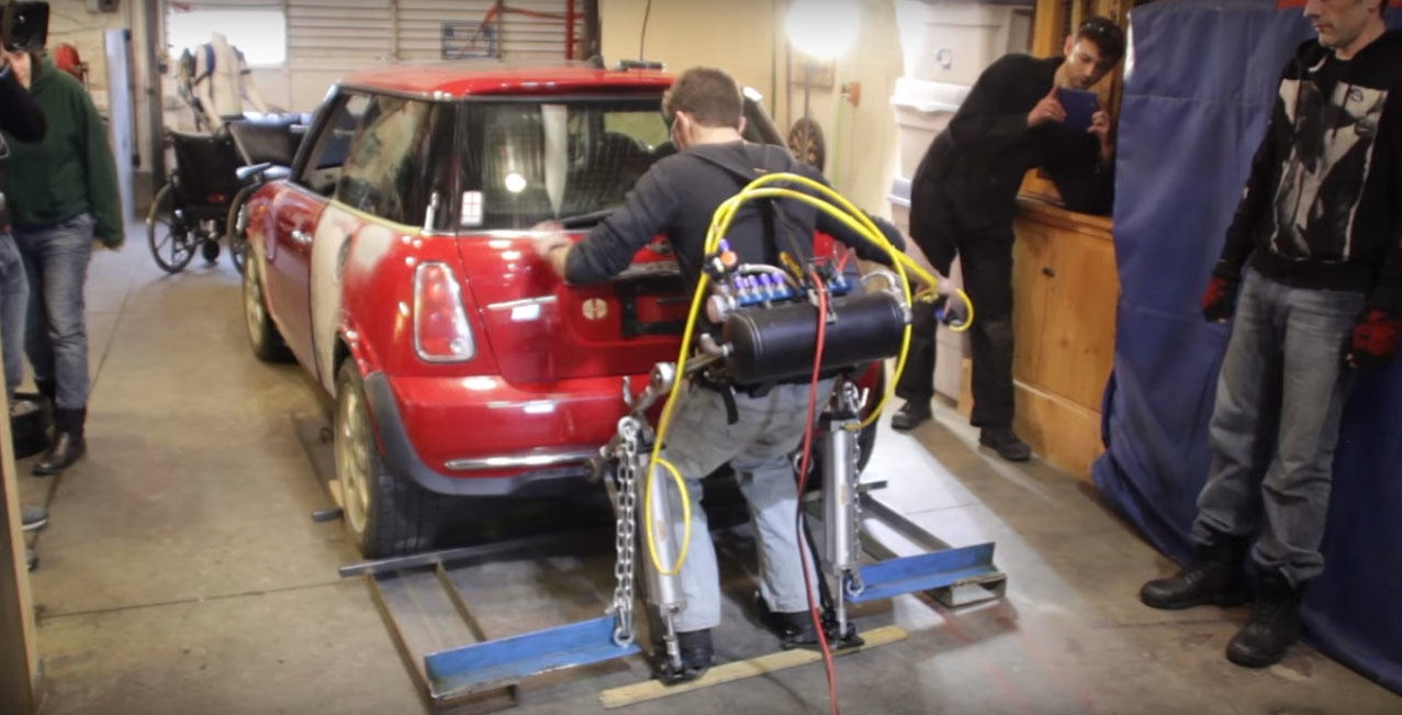 Guy Builds Incredible Exoskeleton That Lets Him Workout With A Car 2 6