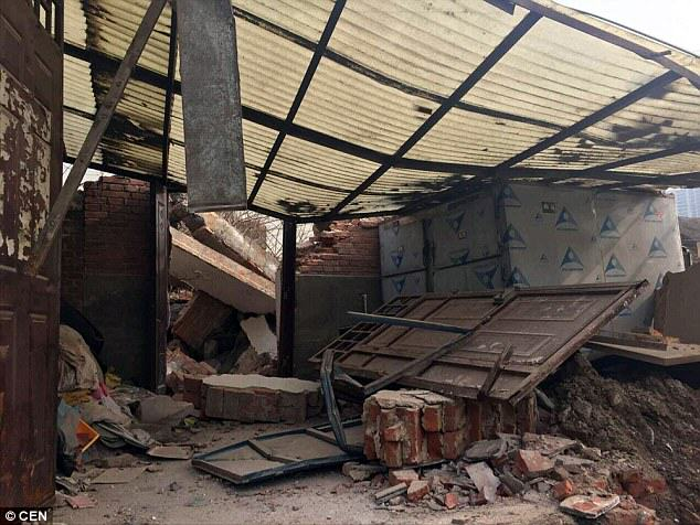 Chinese Government Demolish Hospital With Patients And Doctors Inside 2FE0EB9100000578 0 image a 52 1452173216077