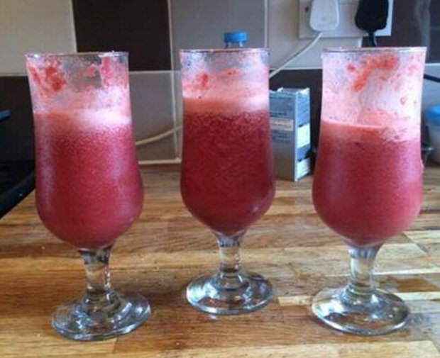 Guy Turns Wifes Placenta Into Cocktails And Pizza For His Mates 411028