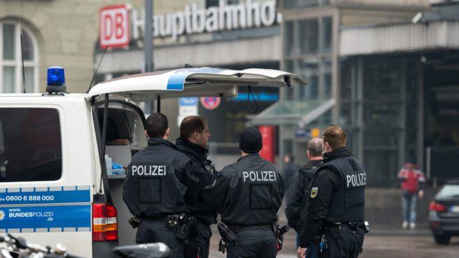 Police Evacuate Two Train Stations In Munich After Isis Terror Threat 87444312 gerpolmunichepa