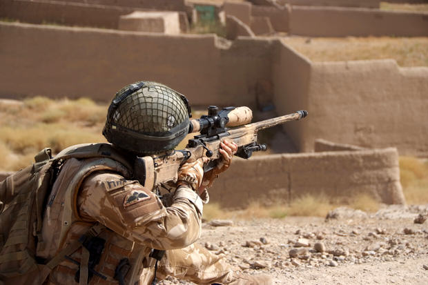 2 Para Are Kitted out to Patrol in Kajaki