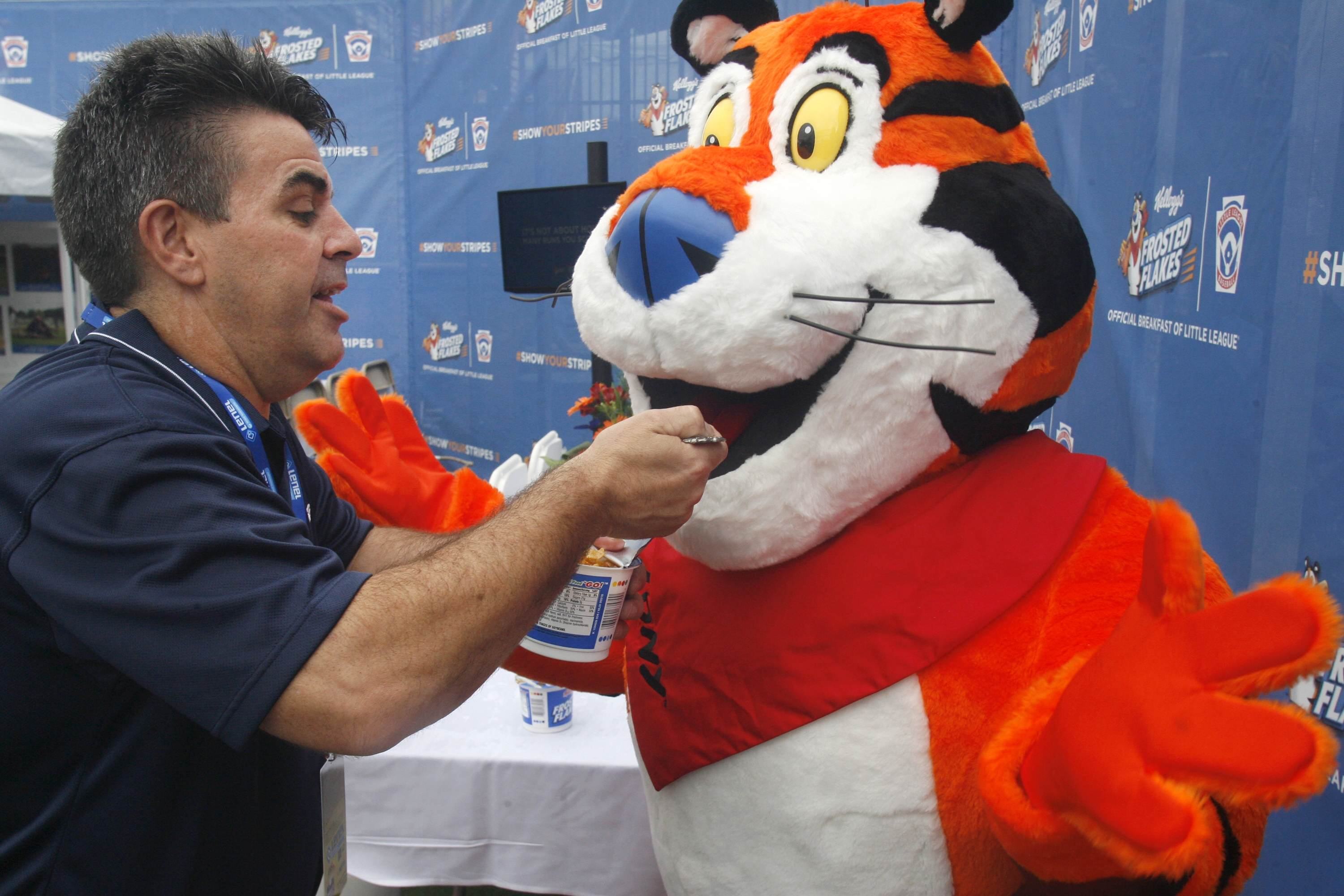 Tony The Tiger Begs Furries To Stop Flooding His Twitter With Porn PA 23866802