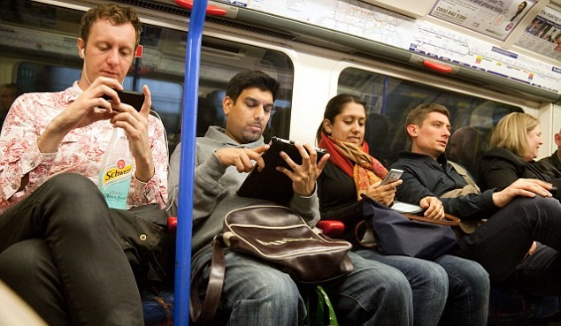 Anti Terrorism Expert Says You Need To Stop Listening To Music While Commuting alamy