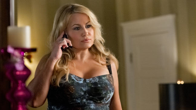 Lad Confesses To Secretly Sleeping with Best Mates Mum On The Sly american reunion jennifer coolidge stifler mom