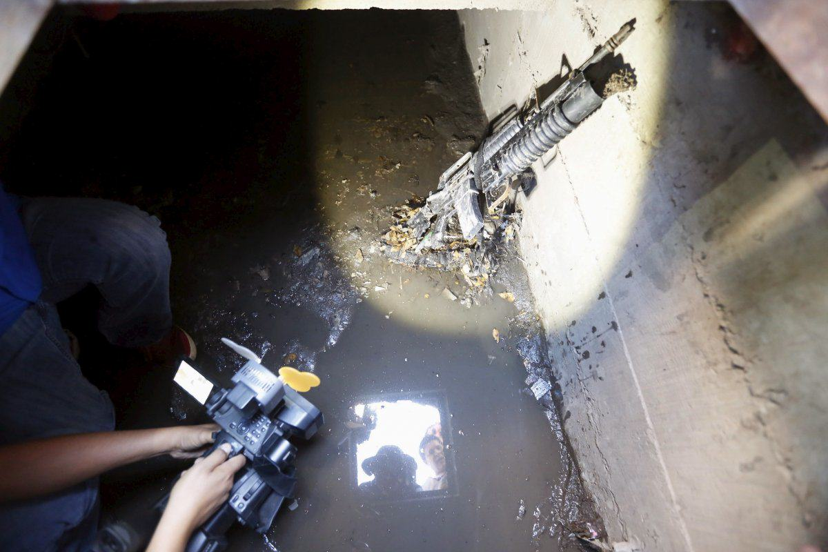 Inside The Secret Hideout Of Captured Drug Lord El Chapo chapo13