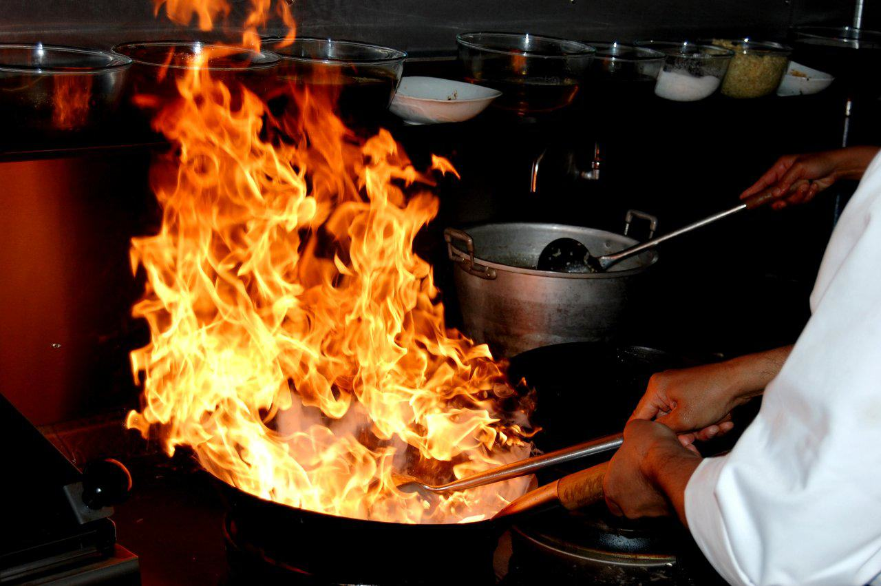 These Horrific Kitchen Accidents Will Put You Off Eating For The Day chefs2