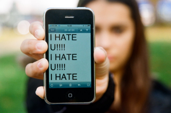 Online Pressures Have Created A Nation Of Deeply Unhappy Young People cyber1