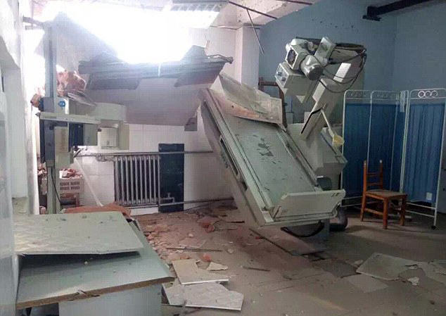 Chinese Government Demolish Hospital With Patients And Doctors Inside hospital 3