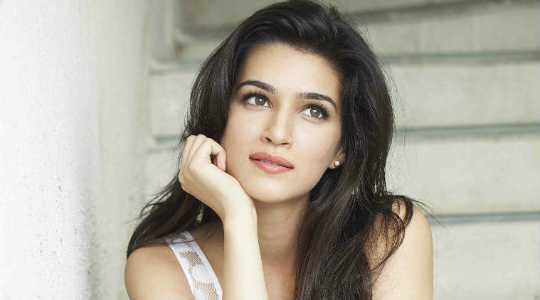 Man Watching Bootleg Film On Plane Was Unknowingly Sat Next To Star Of It kriti sanon 759 1