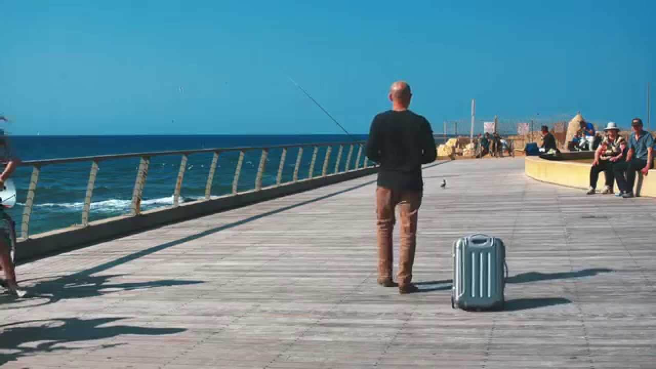 This Amazing Robotic Suitcase That Follows You Around Is A Game Changer maxresdefault 1