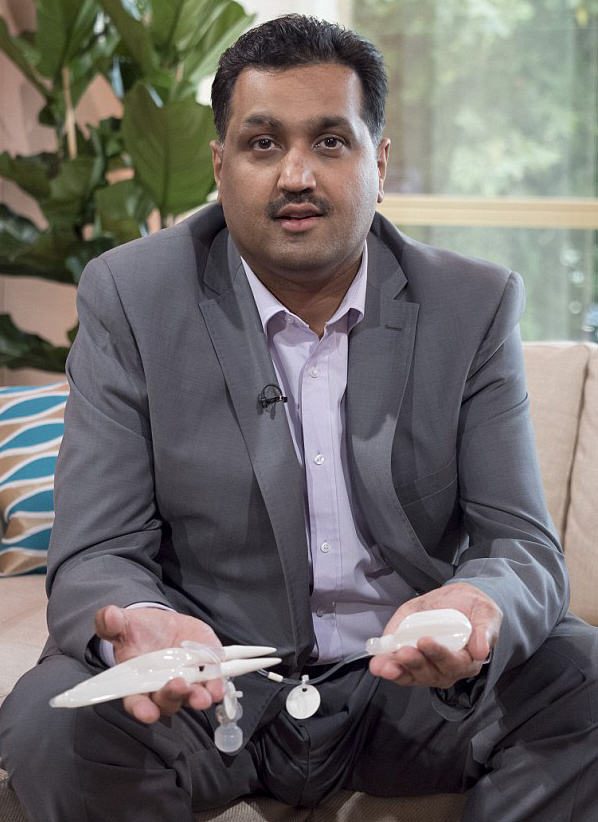 Man With Bionic Penis Will Finally Lose His Virginity To A Celebrity Dominatrix moham8