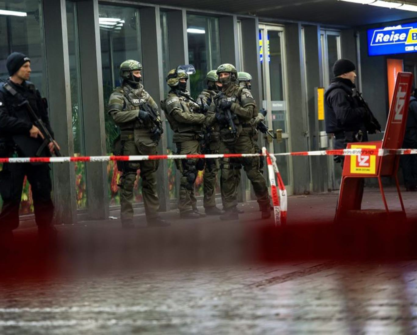 Police Evacuate Two Train Stations In Munich After Isis Terror Threat munich