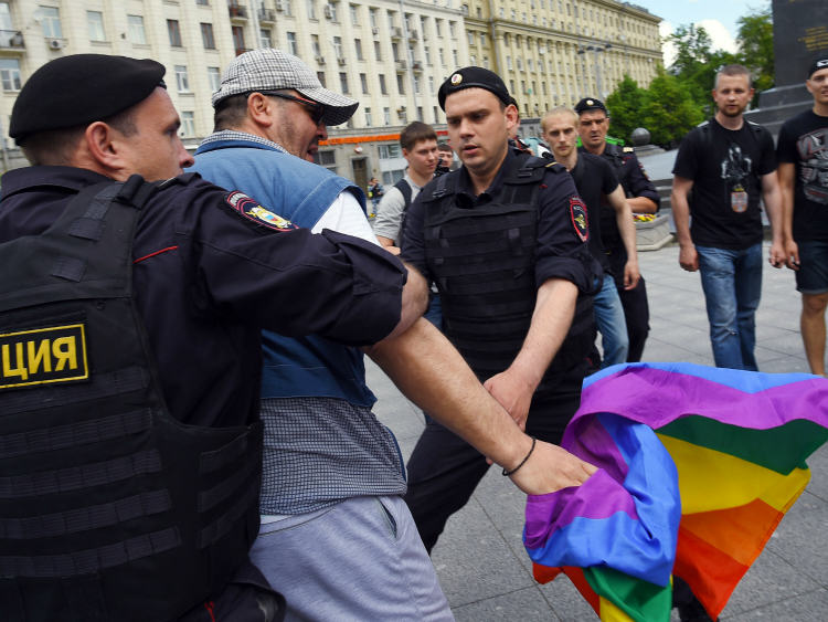Russia To Vote On Banning Gay People From Kissing In Public police russia riot