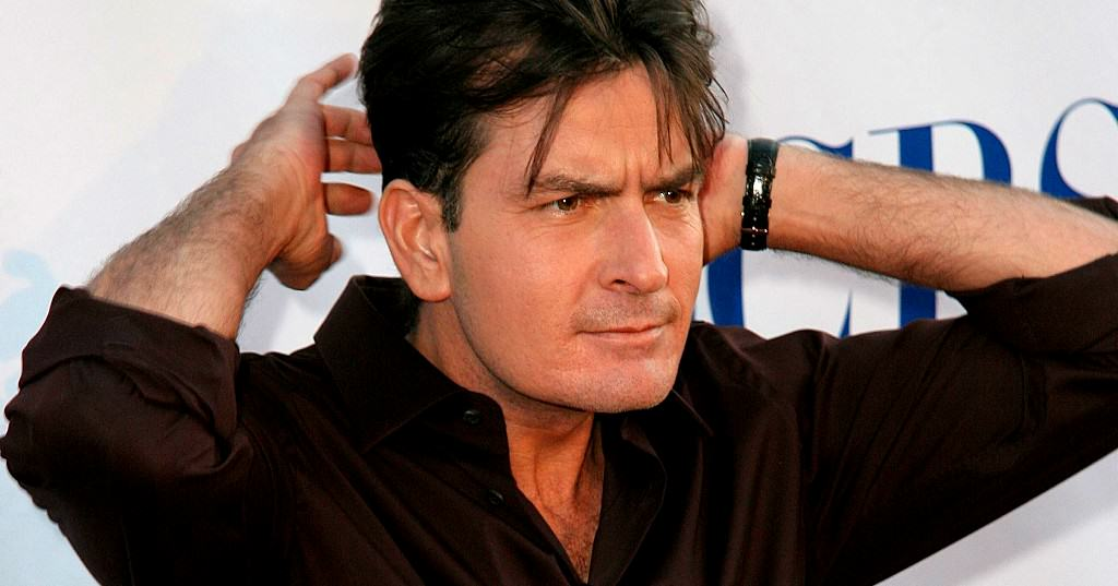 Charlie Sheen Reveals He Has Been Diagnosed With Serious Mental Health Issue sheen3