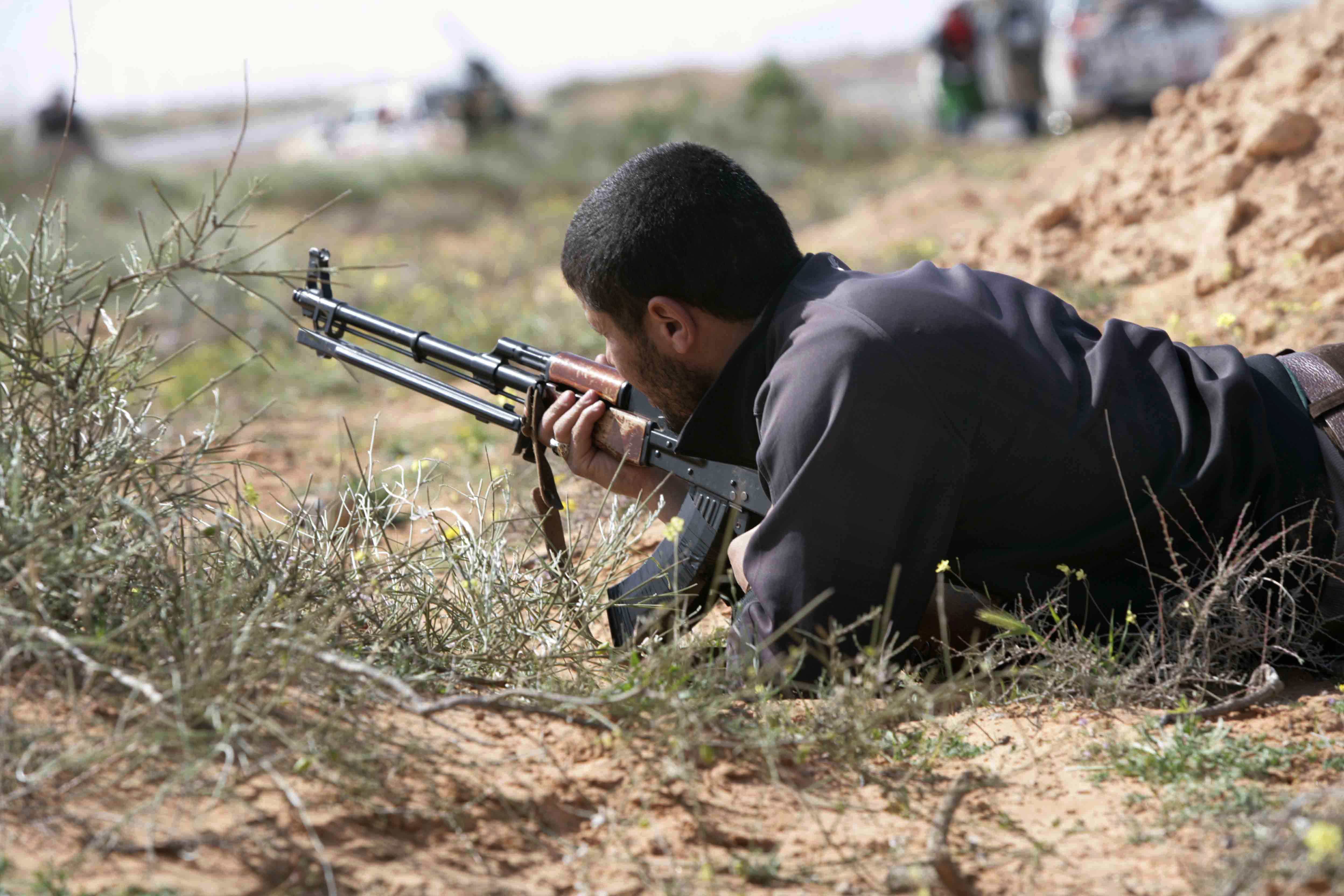 Is There A Secret Sniper On A One Man Mission Against ISIL? sniper3 1