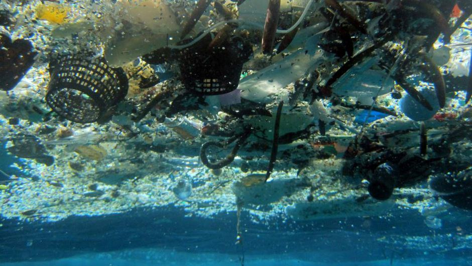 trash-ocean-plastic-pollution-gyre
